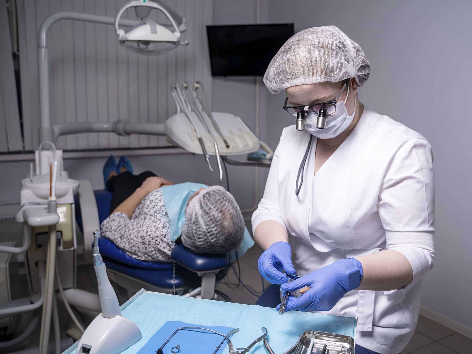 Закрытый кюретаж в области 1-го зуба
