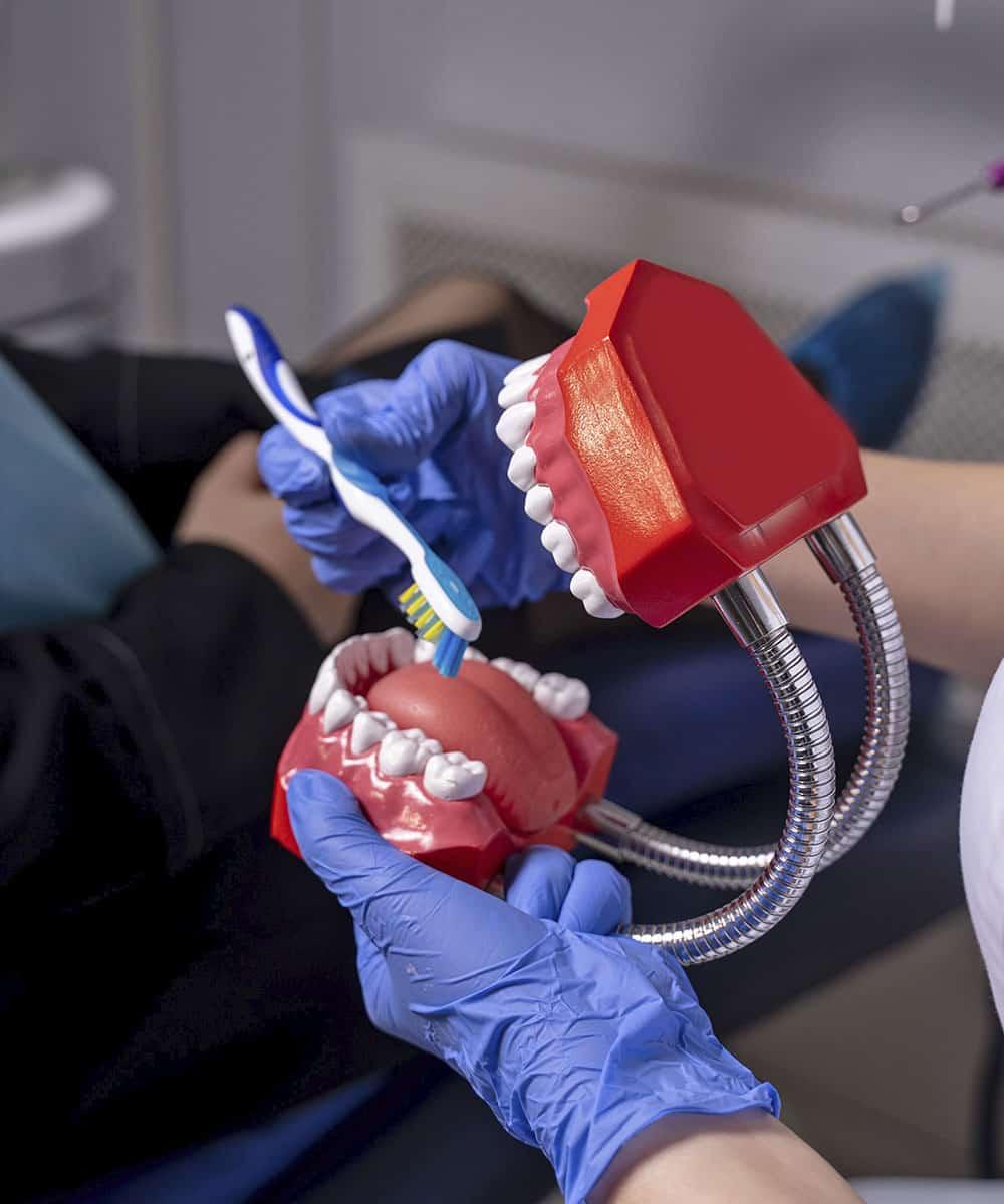 Обучение гигиене при ортодонтическом лечении